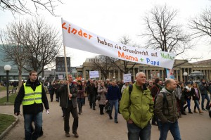 Homophober Aufmarsch gegen die Reform des Bildungsplans (Bild: Indymedia)